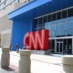 CNN remplace le mot « femme » par « personnes ayant un col de l'utérus »