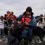 La Grèce expulse 1000 migrants et les abandonne en mer