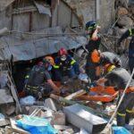 Un mois après la double explosion à Beyrouth, les sauveteurs cherchent un éventuel survivant