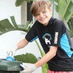 Clay Lewis, le garçon autiste qui a créé seul son entreprise