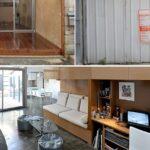 Un photographe décide de transformer un vieux garage pour y vivre