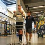 Un jeune tétraplégique marche tout seul après 1220 jours