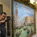 Konstantin Nikolaev, un artiste qui transforme les entrées en galerie d'art