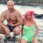 Un bodybuildeur épouse une poupée gonflable après 18 mois de relation