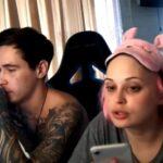 Un youtubeur laisse sa copine mourir en direct pour un don de 1000 $