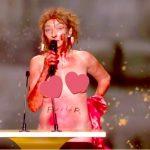 César 2021 : Corinne Masiero totalement nue sur scène
